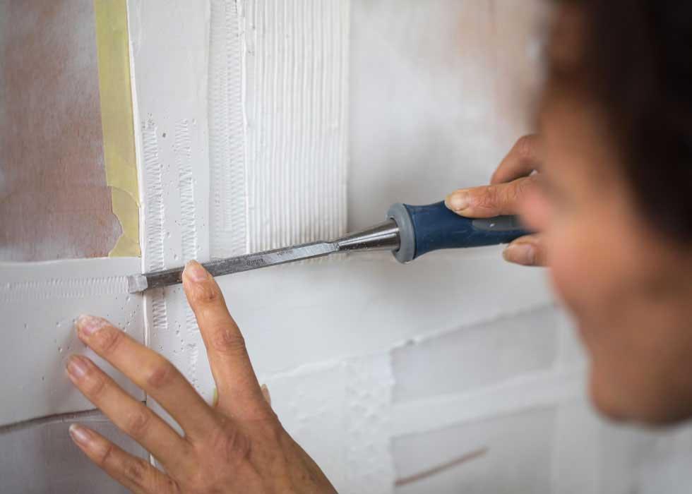 techniques d'empreintes au ciseau sur du plâtre